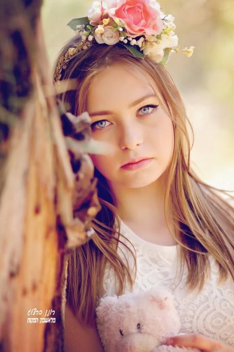 ילדה יפה