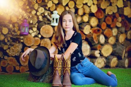 בוק בת מצווה בחווה